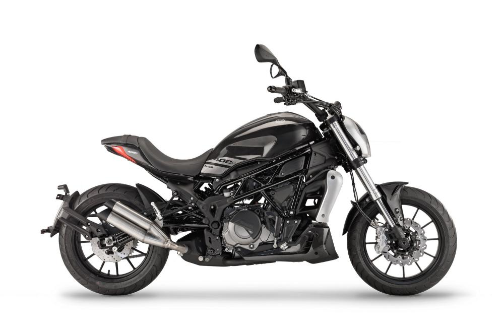 Upcoming Benelli 402S Crusier